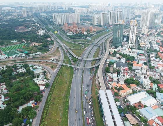 Phát triển mạnh hạ tầng giao thông phía Đông ảnh 2
