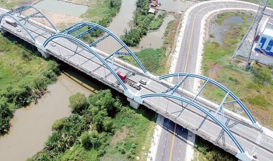 TPHCM: Gỡ vướng  các dự án giao thông trọng điểm ảnh 1