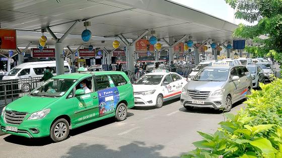 Đổi màu biển số ô tô kinh doanh vận tải, cần tạo thuận lợi cho doanh nghiệp  ảnh 1
