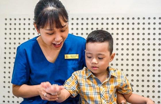 Ứng dụng  ghép tế bào gốc chữa bệnh trẻ tự kỷ  ảnh 2