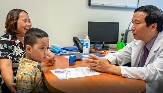 Ứng dụng  ghép tế bào gốc chữa bệnh trẻ tự kỷ  ảnh 1