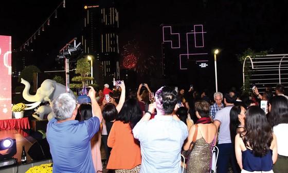 Rooftop Garden Bar khởi động đại tiệc đón năm mới rực rỡ ảnh 3