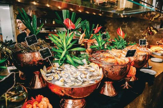 Đại tiệc trưa muộn đẳng cấp tại Social Club Saigon ảnh 1