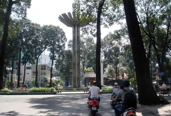 Hồ Con Rùa thành phố đi bộ, đường Nguyễn Thượng Hiền thành phố ăn vặt - Ảnh 1.