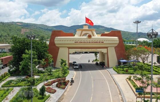 Cửa khẩu quốc tế Lao Bảo ở phía Việt Nam. (Ảnh: Hồ Cầu/TTXVN)