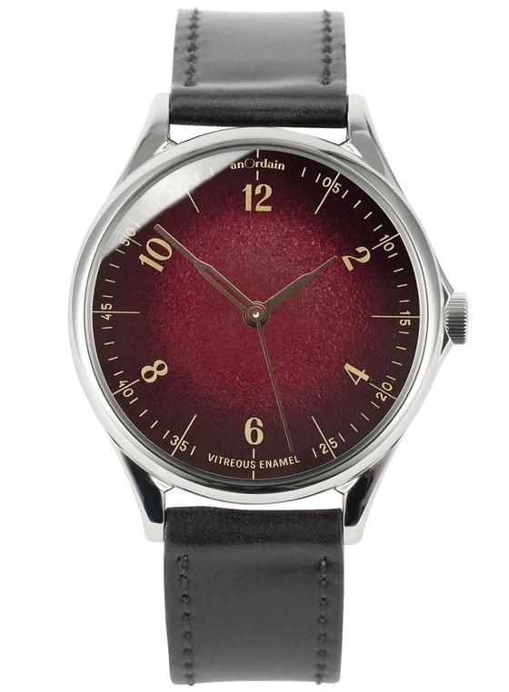 Đồng hồ sắc đỏ ảnh 2