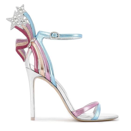 Những mẫu giày khiến phái đẹp mê đắm ảnh 3