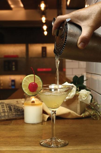 Đặc sắc tiệc Happy Hour Cocktail ảnh 3