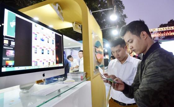 Doanh số TMĐT Việt Nam với mô hình doanh nghiệp-người tiêu dùng (B2C) vẫn tăng trưởng 18% trong năm 2020.