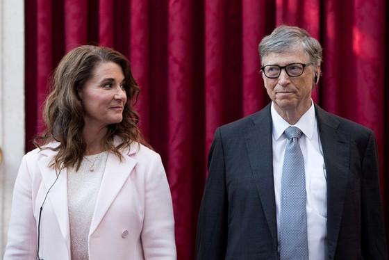 NÓNG: Vợ chồng tỉ phú Bill Gates tuyên bố ly hôn sau 27 năm chung sống - Ảnh 1.