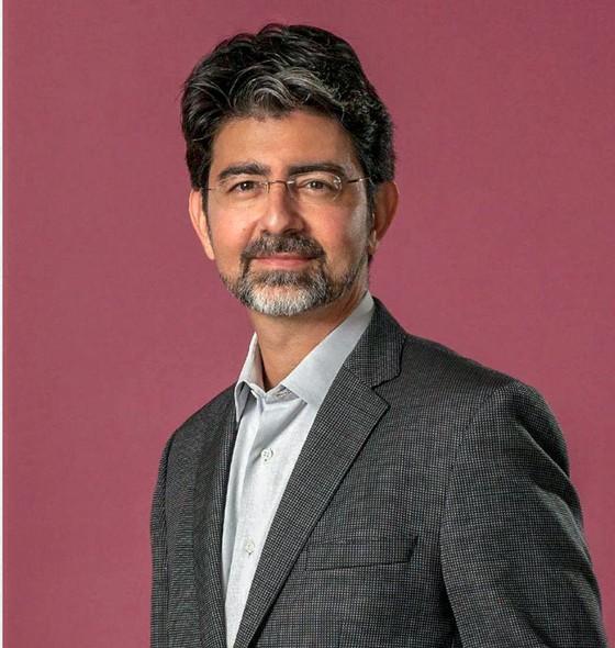 Pierre Omidyar - Mở đường thương mại điện tử cùng eBay ảnh 1
