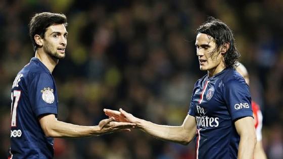 Javier Pastore và Edinson Cavani cũng mất dạng trước trận ds9ấu với Rennes. Ành: Getty Images.