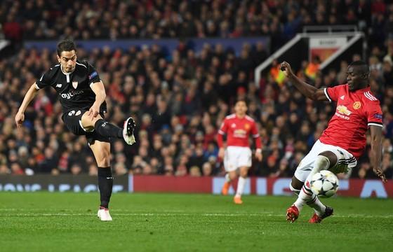"""Lukaku tố cáo các đồng đội Man.United """"lẩn trốn"""" trước Sevilla ảnh 1"""
