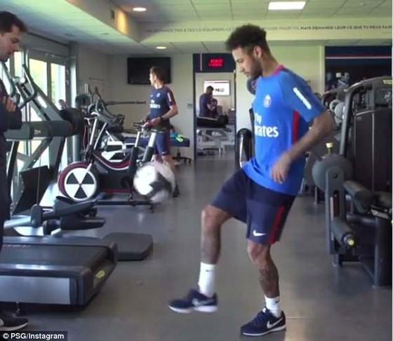 Neymar đã trở lại PSG và ráo riết tập luyện cho World Cup ảnh 2