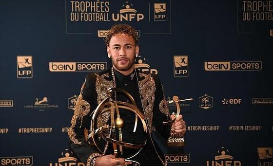 Neymar nhận danh hiệu Cầu thủ xuất sắc nhất Ligue 1 mùa giải 2017-2018