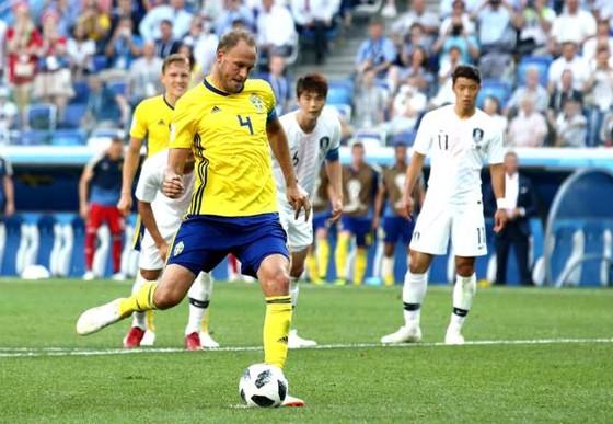 Thụy Điển - Hàn Quốc 1-0, VAR lại gây tranh cãi với quả 11m ảnh 6