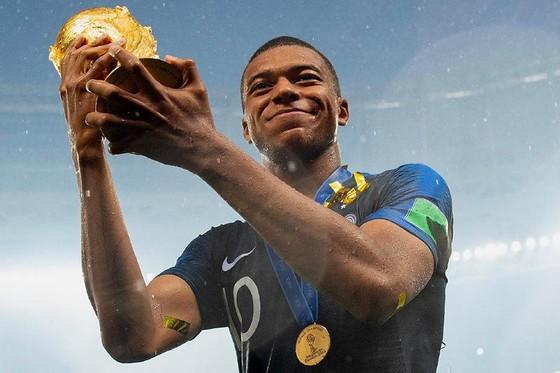 Kylian Mbappe nén chịu chấn thương để chơi trận chung kết World Cup ảnh 1