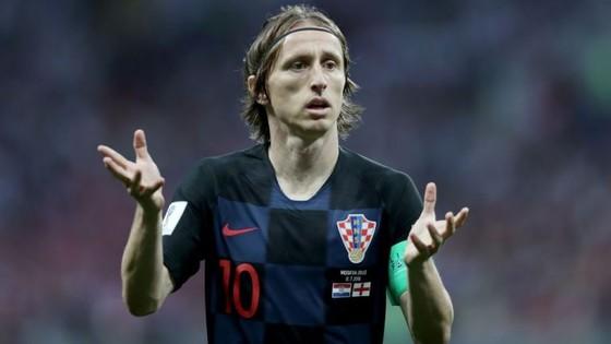 Real Madrid hét giá 750 triệu Euro cho Luka Modric