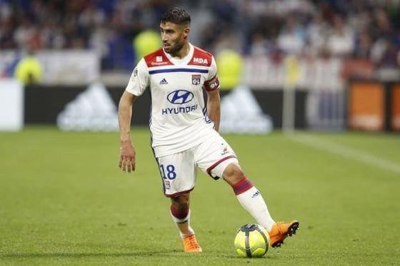 Nabil Fekir thoải mái ở Lyon, nhưng….