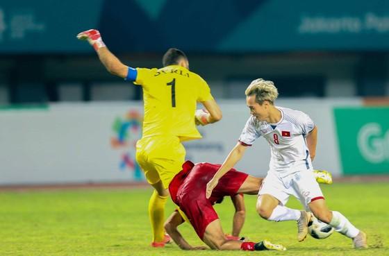 Ngày lịch sử của thể thao Việt Nam ở Asiad: Điển kinh nhặt HCV, bóng đá vào bán kết  ảnh 3