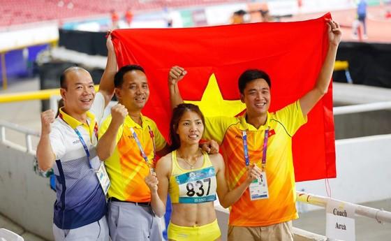 Ngày lịch sử của thể thao Việt Nam ở Asiad: Điển kinh nhặt HCV, bóng đá vào bán kết  ảnh 12