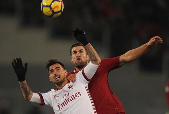 Milan quyết chiến với Roma trong trần đầu múa ở San Siro.