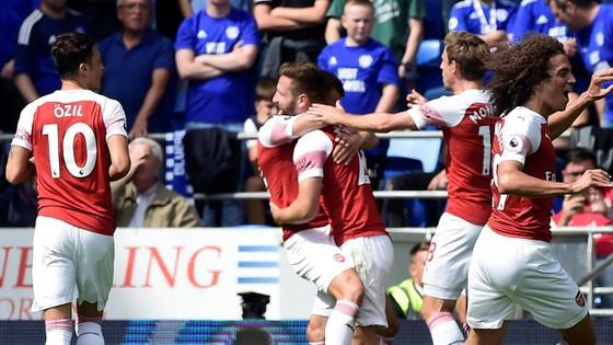 Cardiff City – Arsenal 1-2, Aubameyang mở tài khoản ảnh 1