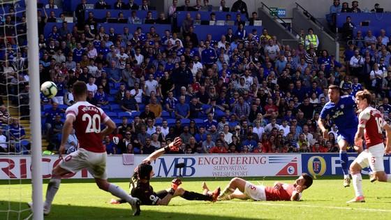 Cardiff City – Arsenal 1-2, Aubameyang mở tài khoản ảnh 2