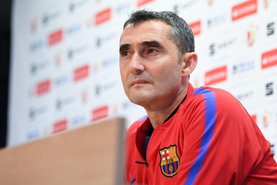 HLV  Ernesto Valverde gạch tên Messi trong chuyến làm khách ở Anoeta.