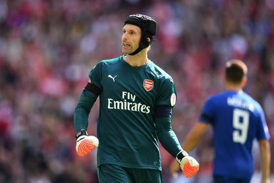Petr Cech tiết lộ sự khác biệt giữa Arsene Wenger và Unai Emery ảnh 1