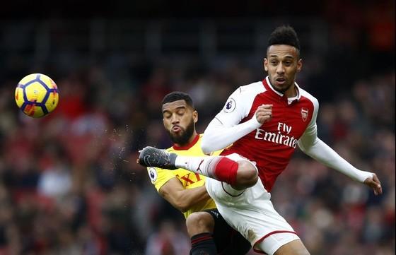 Aubameyang (phải, Arsenal) sẽ tiếp tục ghi bàn trước Watford.