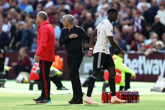 Fans Man.United yêu cầu sa thải Jose Mourinho