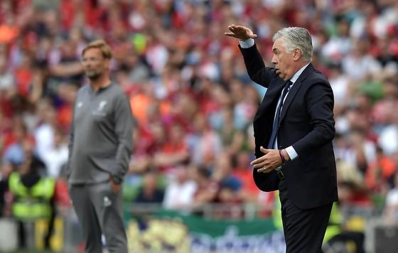 Napoli - Liverpool: Cuộc đấu cân não giữa Ancelotti và Klopp ảnh 1