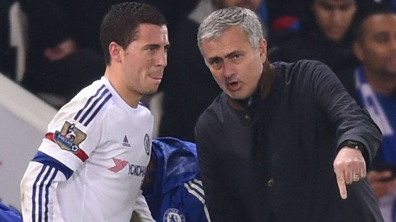 Eden Hazard và HLV Jose Mourinho.