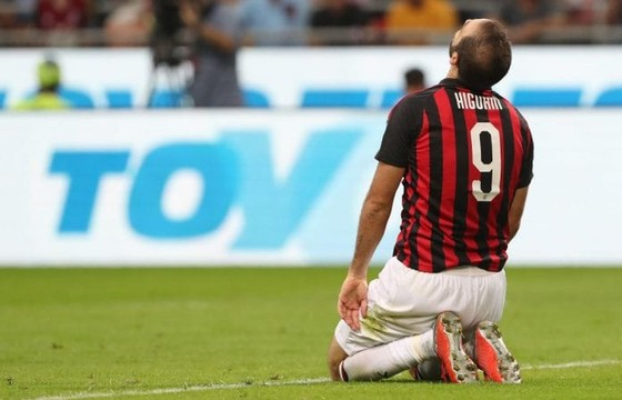 """Higuain: Juventus """"đá"""" tôi ra vì Ronaldo! ảnh 1"""