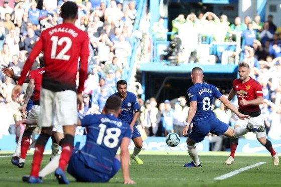 (TRỰC TIẾP): Chelsea - Man United: Không thèm phong tòa Eden Hazard ảnh 4
