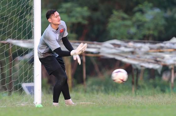 Đội tuyển Việt Nam suýt hủy buổi tập quan trọng ở Myanmar vì mưa to ảnh 8