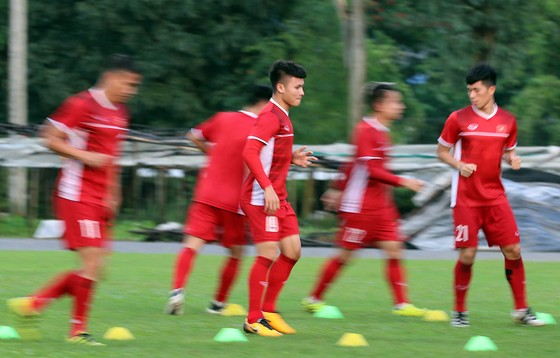 Đội tuyển Việt Nam suýt hủy buổi tập quan trọng ở Myanmar vì mưa to ảnh 10