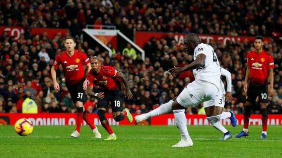 Man United - Fulham 4-1: Ashley Young và Juan Mata tỏa sáng ảnh 6