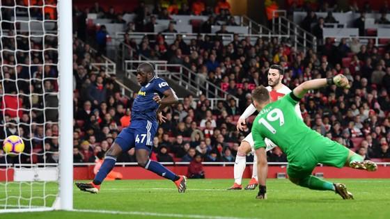 Arsenal vùi dập Fulham trong trận derby London ảnh 7