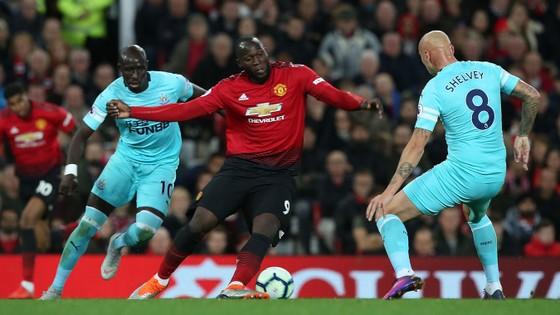 Newcastle - Manchester United: Benitez thử tài Solskjaer (Cập nhật lúc 22g)