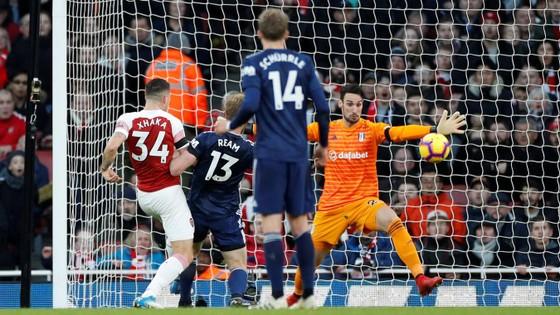 Arsenal vùi dập Fulham trong trận derby London ảnh 4