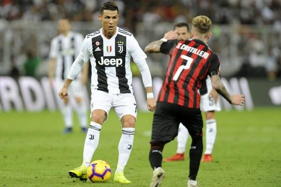 Ronaldo quyết thắng mọi giải cùng Juventus ảnh 2