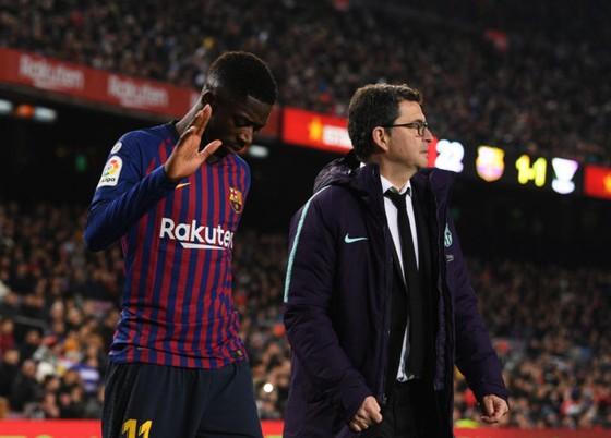 Mất Dembele 2 tuần, Barca mượn Kevin-Prince Boateng  ảnh 1