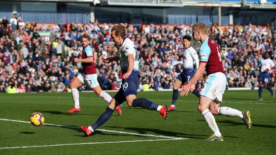 Burnley - Tottenham 2-1, Harry Kane trở lại nhưng Spurs vẫn té đau ảnh 5