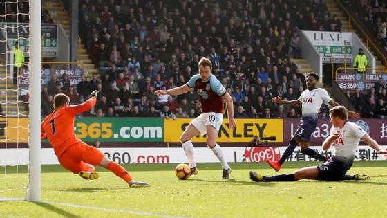 Burnley - Tottenham 2-1, Harry Kane trở lại nhưng Spurs vẫn té đau ảnh 6