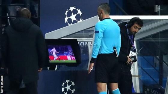 """Neymar sẽ bị treo giò vì gọi quả 11m của Man United là """"ô nhục"""" ảnh 1"""