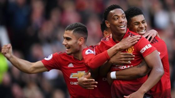 Man United - Watford 2-1, Rashford và Martial giúp Quỷ đỏ vào tốp 4 ảnh 7
