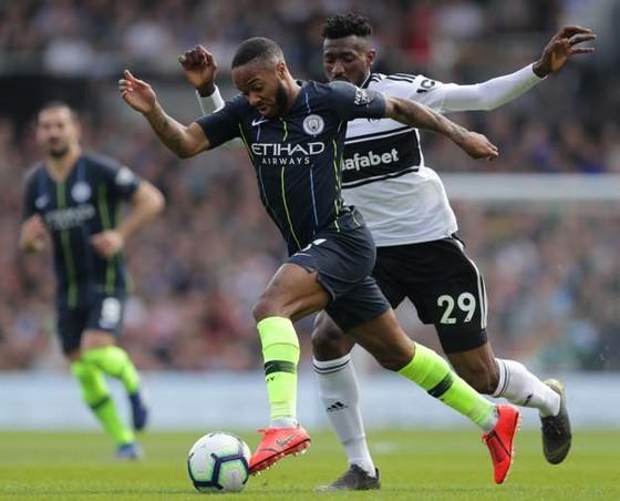 Fulham - Man City 0-2: Silva và Aguero tỏa sáng, Man Xanh chiếm lại ngôi đầu ảnh 3