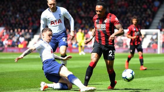 Bournemouth - Tottenham 1-0, Ake nhấn chìm Gà trống khi Son Heung-min và Foyth làm tội đồ